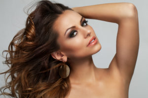 How to keep your hairs healthy while straightening it